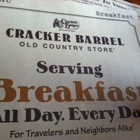Photo taken at Cracker Barrel Old Country Store by Mr R. on 6/28/2011