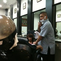 Photo taken at GQ Barber Shop @SM Molino by Schumi N. on 8/6/2011