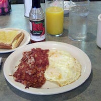 Photo taken at Ritter's Diner by Josh G. on 11/16/2011