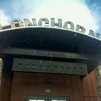 Photo taken at LongHorn Steakhouse by Jared A. on 11/23/2011
