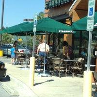 Foto scattata a Starbucks da Cathy J. il 3/25/2012