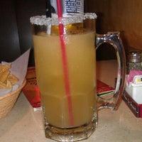 Foto tomada en La Parrilla Mexican Restaurant por Heidi Salami el 2/25/2012