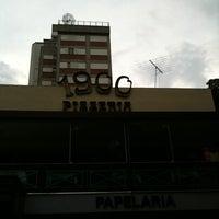 Foto tirada no(a) 1900 Pizzeria por Valma P. em 3/27/2011