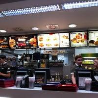 Photo taken at McDonald's by Chunhawan W. on 11/22/2011
