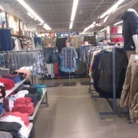 Photo taken at Old Navy by Lynnette B. on 5/24/2012