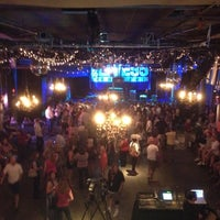 Foto scattata a Varsity Theater & Cafe des Artistes da Carter J. il 6/20/2012