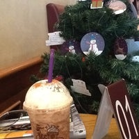 Photo taken at The Coffee Bean & Tea Leaf by AdvoCatElle (. on 11/25/2011