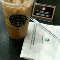 Photo taken at Starbucks by MACHETE on 9/17/2011