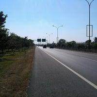 8/15/2012에 Nugroho P.님이 Jalan Tol Seksi Empat (JTSE)에서 찍은 사진