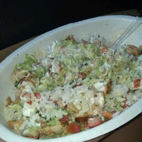 Photo taken at Chipotle Mexican Grill by Roz B. on 8/22/2012