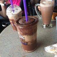 Photo taken at The Coffee Bean & Tea Leaf by Roystonykj on 4/23/2012