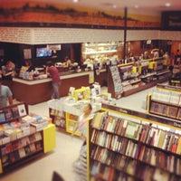 Photo taken at Saraiva Megastore by Lucas M. on 9/11/2012
