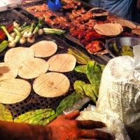 Foto tirada no(a) Tacuqui Tacos por Isaac Z. em 7/20/2012