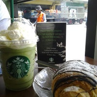 Photo taken at Starbucks by Nuruli K. on 5/25/2012