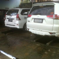 Photo taken at Cucian Mobil Family by Muda S. on 8/22/2012