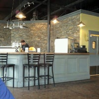 Photo taken at 2Wives Brick Oven Pizza by Shannon S. on 8/11/2012