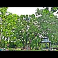 Das Foto wurde bei Saranrom Park von Yuan Y. am 6/17/2012 aufgenommen