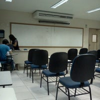 Photo taken at Sala 10512. Letras Lingua Inglesa by Robson T. on 6/27/2012