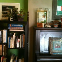 Photo taken at Prana Juice Bar & Namaste Cafe by U H. on 8/14/2012