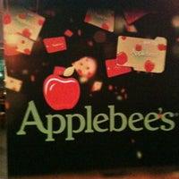Foto tirada no(a) Applebee's por Rosangela A. em 4/12/2012