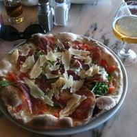 5/20/2012에 Ivan A.님이 Pizzeria Picasso에서 찍은 사진