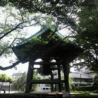 Photo taken at 明顕山 祐天寺 by 和彦 石. on 7/23/2012