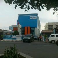 Photo taken at Bank Pembangunan Daerah Sumatera Barat by Rièfä M. on 9/12/2012