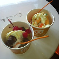 Photo taken at Orange Leaf Frozen Yogurt by Cabrini H. on 6/17/2012