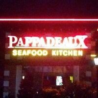 Das Foto wurde bei Pappadeaux Seafood Kitchen von Rico G. am 7/25/2012 aufgenommen