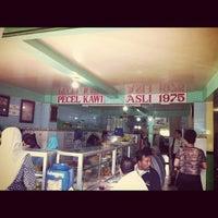 Photo taken at Pecel Kawi by Wiwin H. on 3/4/2012