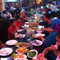 Photo taken at Restaurant Sayam by Fadzli M. on 8/4/2012