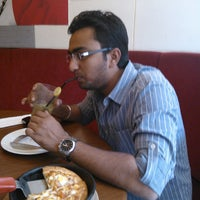 Photo taken at Pizza Hut by rohan b. on 4/2/2012