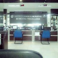 Photo taken at Kantor Pelayanan Pajak Pratama Bandung Tegallega by Hanawati H. on 6/21/2012