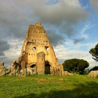 Foto scattata a Villa Gordiani da Alessandra C. il 4/22/2012