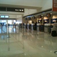 รูปภาพถ่ายที่ Terminal A โดย Eric A. เมื่อ 2/22/2012