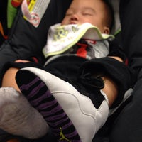 Photo taken at Kids Foot Locker by Edgar d. on 2/19/2012