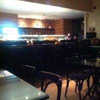 Foto tirada no(a) Kony Sushi Bar por Elton O. em 3/16/2012