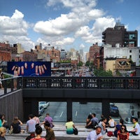 Foto tirada no(a) High Line 10th Ave Amphitheatre por Greg L. em 6/14/2012