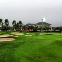 9/6/2012 tarihinde IA A.ziyaretçi tarafından Royale Jakarta Golf Club'de çekilen fotoğraf