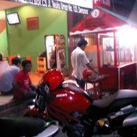 Photo taken at Ayam Bakar Maknyuusss by Ayam B. on 4/27/2012