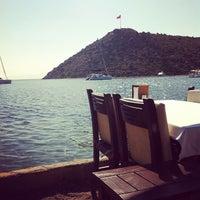 Photo prise au Karafaki Restaurant par Tuna Y. le5/6/2012