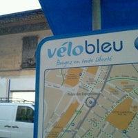 Photo taken at Vélo Bleu (Station No. 31) by Iarla B. on 2/28/2012