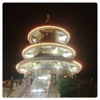 Photo taken at วัดถาวรวราราม (วัดญวน) Wat Thavornwararam by CKaomame K. on 8/2/2012