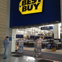 Photo taken at Best Buy by Sergio E. on 9/12/2012