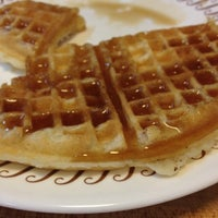 Photo taken at Waffle House by Tennessee J. on 7/22/2012