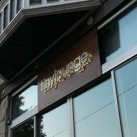 Das Foto wurde bei Tiny Lounge von Kevin K. am 8/24/2012 aufgenommen