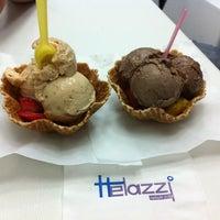 Foto tomada en Helazzi por Elizabeth R. el 6/15/2012
