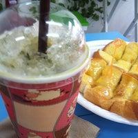 Photo taken at โอะฮะโย นมสด&ขนมปัง by Yakuza B. on 3/25/2012