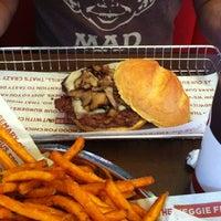 Das Foto wurde bei Smashburger von Christopher S. am 7/23/2012 aufgenommen
