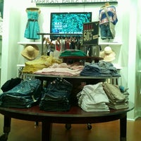 Photo taken at American Eagle Outfitters by Tashia V. on 3/9/2012